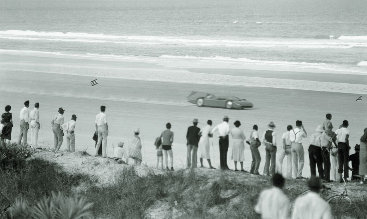 1935.03.08. --Daytona-Beach-Campbell-Bluebird