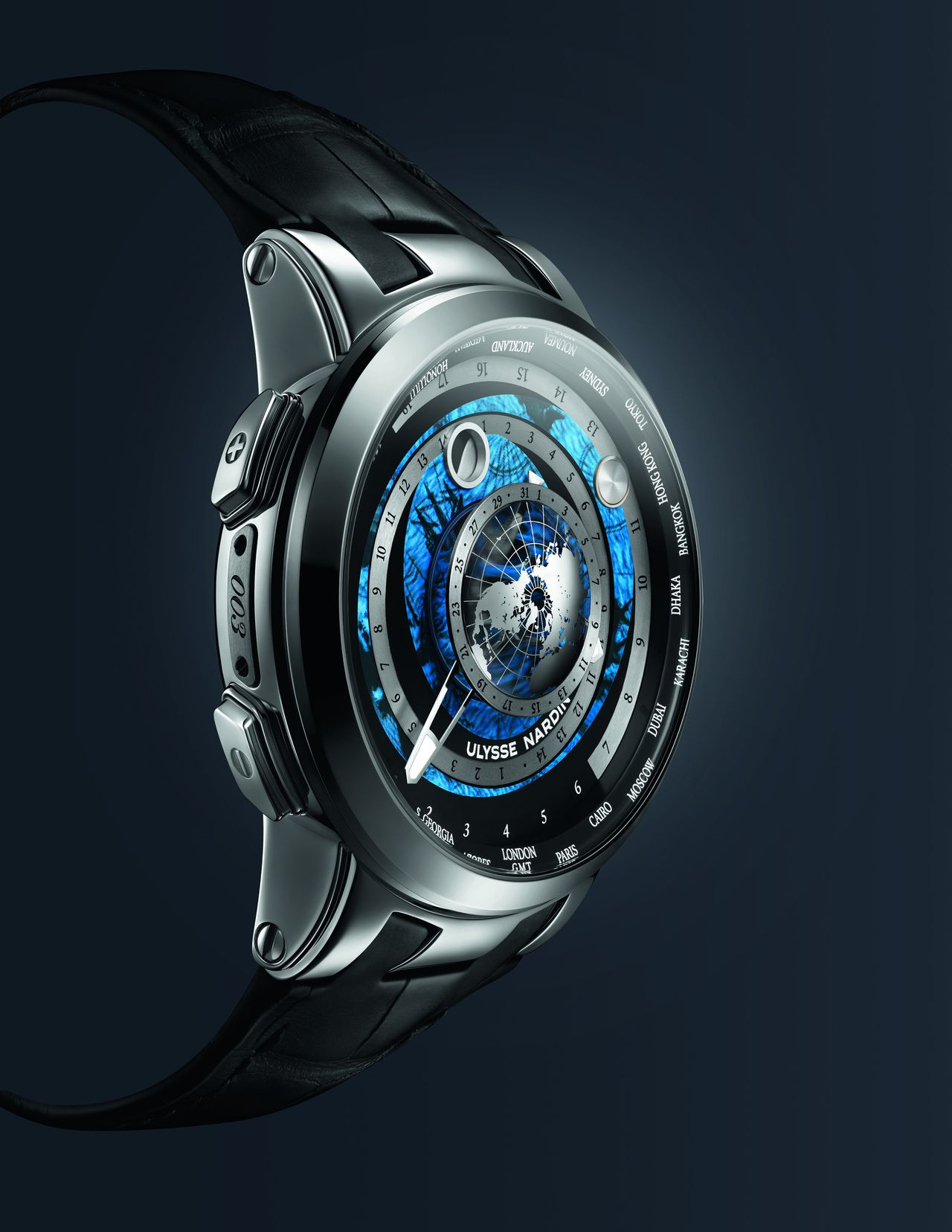 Ulysse-Nardin-Executive-Moonstruck-Worldtimer-mood