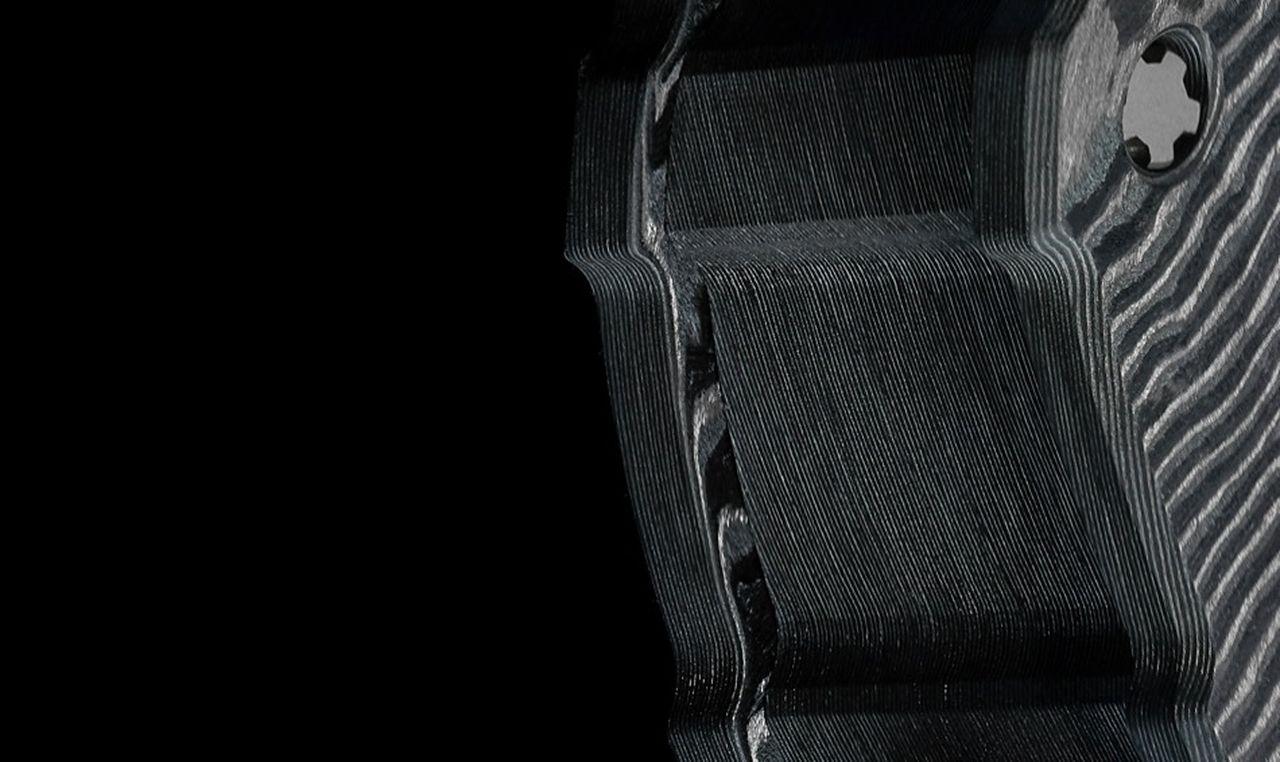 Richard Mille RM 53-01 - szénszál-lamellák és oszlopok