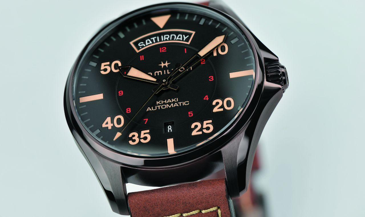 Hamilton Khaki Pilot Day Date - a számlap a klasszikus Flieger-órákat idézi