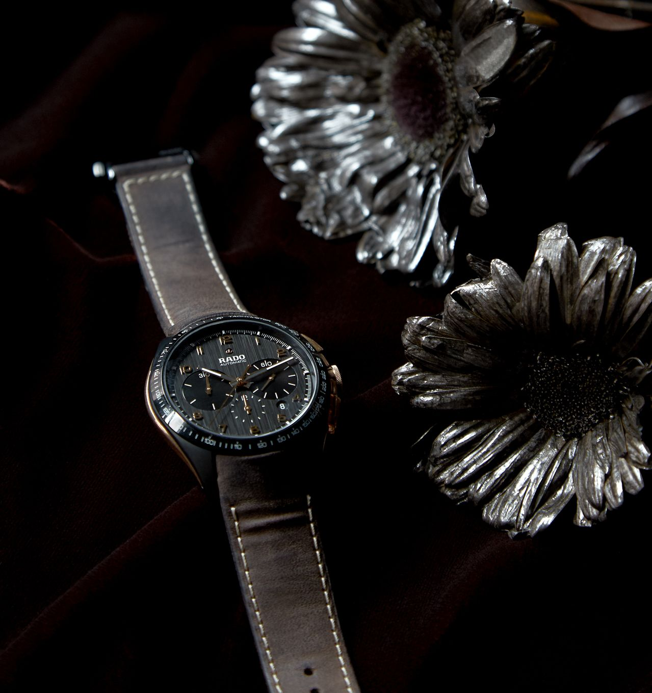 Rado HyperChrome Chronograph Automatic Bronze - több kreativitás szorult az ezüst virágokba, mint az órába