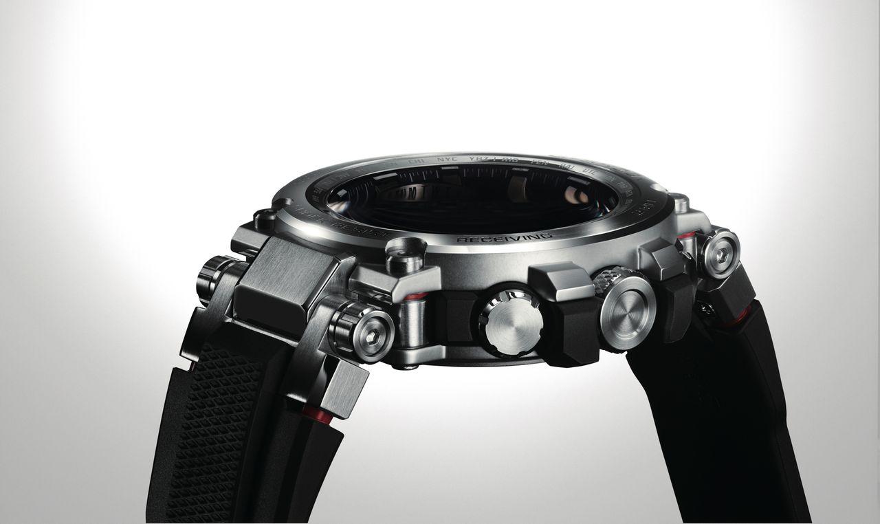 Casio G-Shock MTG G1000D - nem olyan vastag mint amilyennek látszik