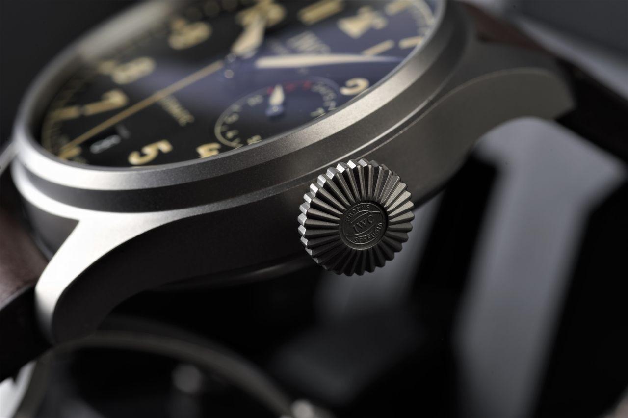 IWC Big Pilot's Watch Heritage - A jellegzetes korona. Akár egy sokhengeres csillagmotor is lehetne / Fotó: Venicz Áron