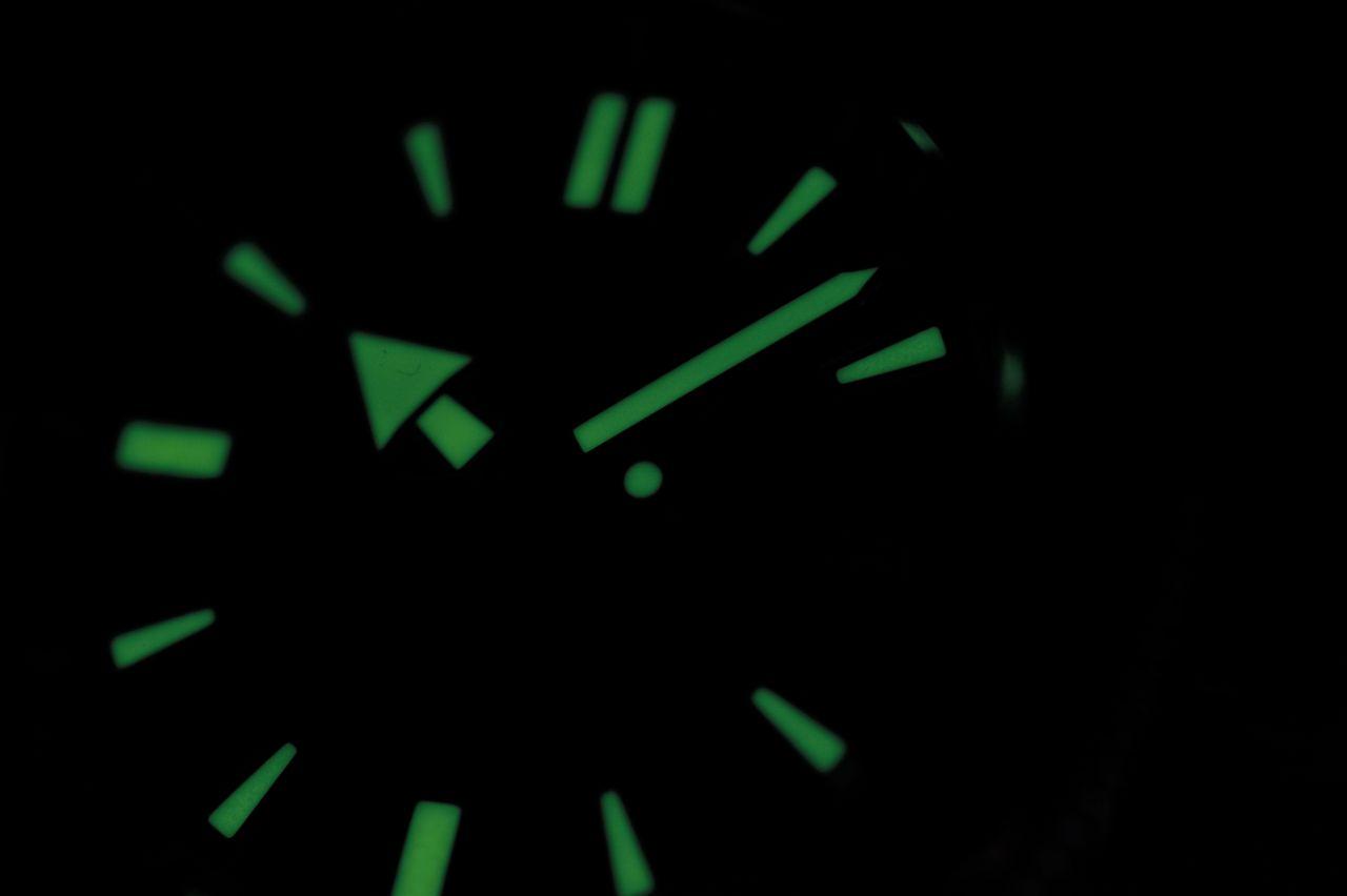 Seiko Prospex SPB051 - a lumineszcens festékkel nem takarékoskodtak / Fotó: Venicz Áron