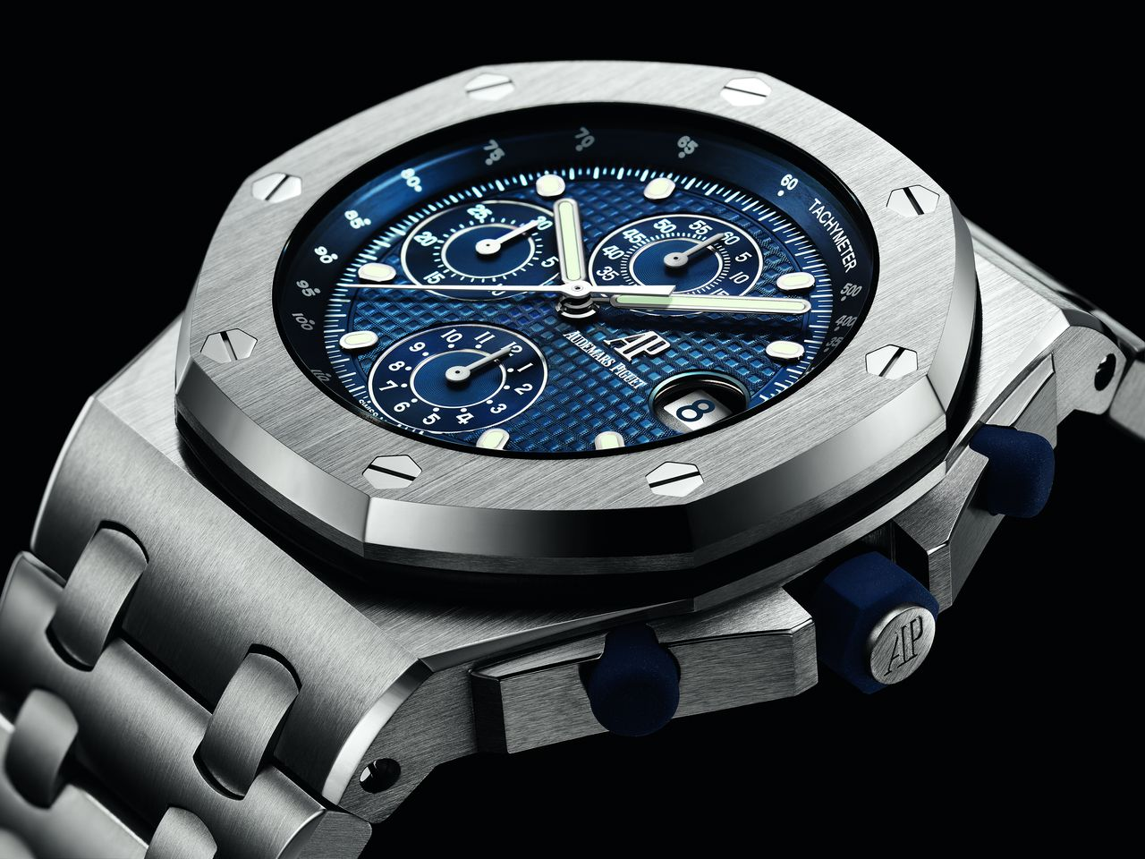 Audemars Piguet Royal Oak Offshore Chronograph Re-edition 25th Anniversary - ebből a szögből azért látszik, hogy a 14,4 milliméteres magassághoz 42 milliméter egy kicsit kevés