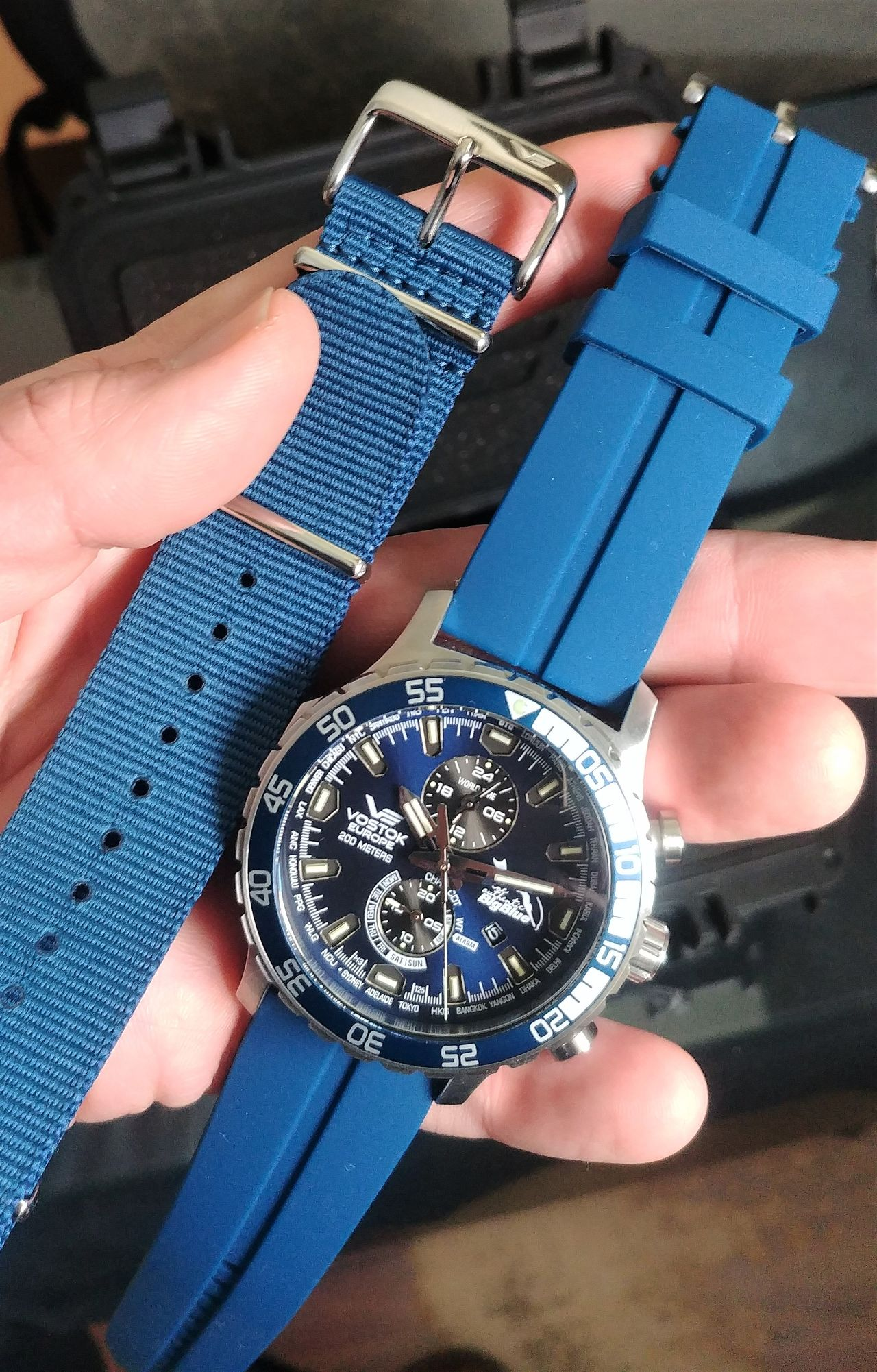 Vostok Europe The Authentic Big Blue Limited Anniversary Edition - alapból jár hozzá NATO szíj is - Fotó: Venicz Áron