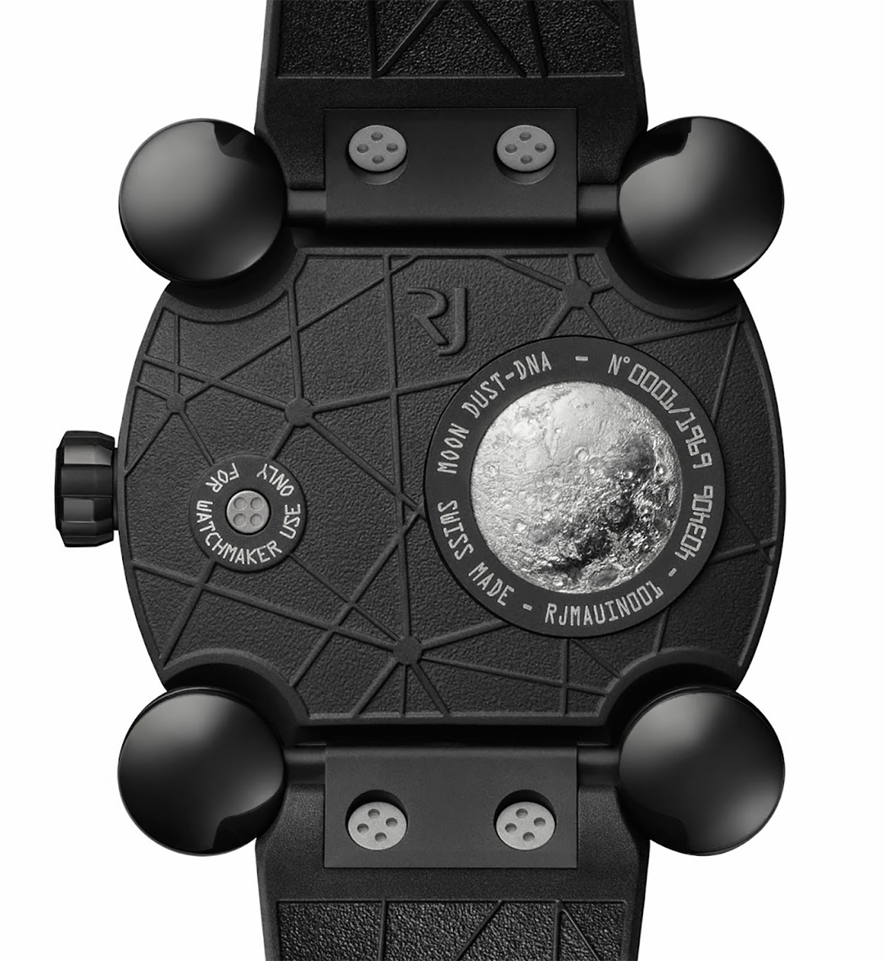 ROMAIN JEROME MOON INVADER 8 BLACK METAL. Fotó: Romain Jerome