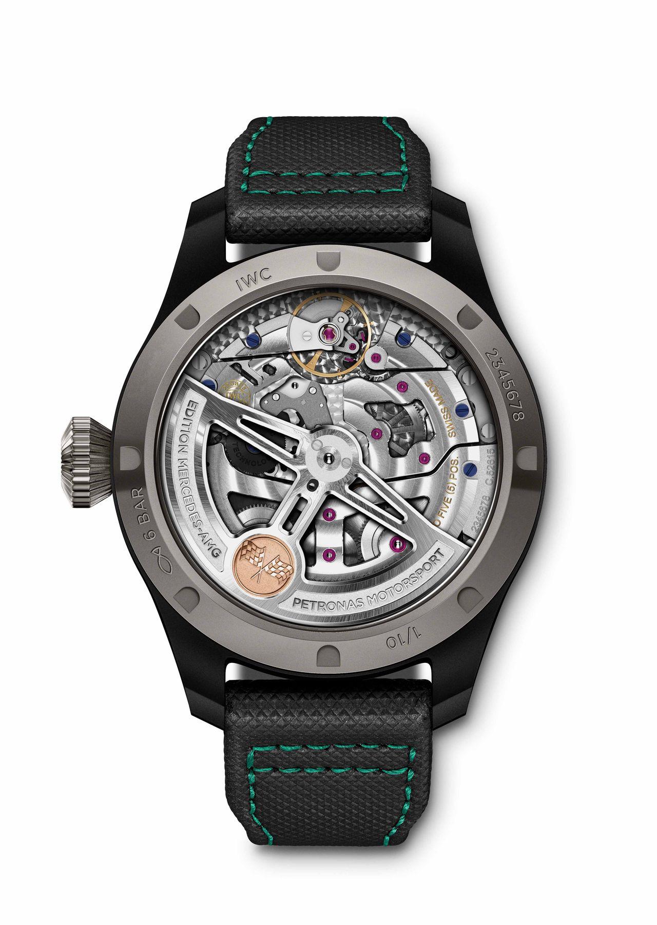 """IWC Big Pilot's Watch Perpetual Calendar Edition """"Mercedes-AMG Petronas Motorsport"""" - a kronográffal ellentétben itt látható a szerkezet"""