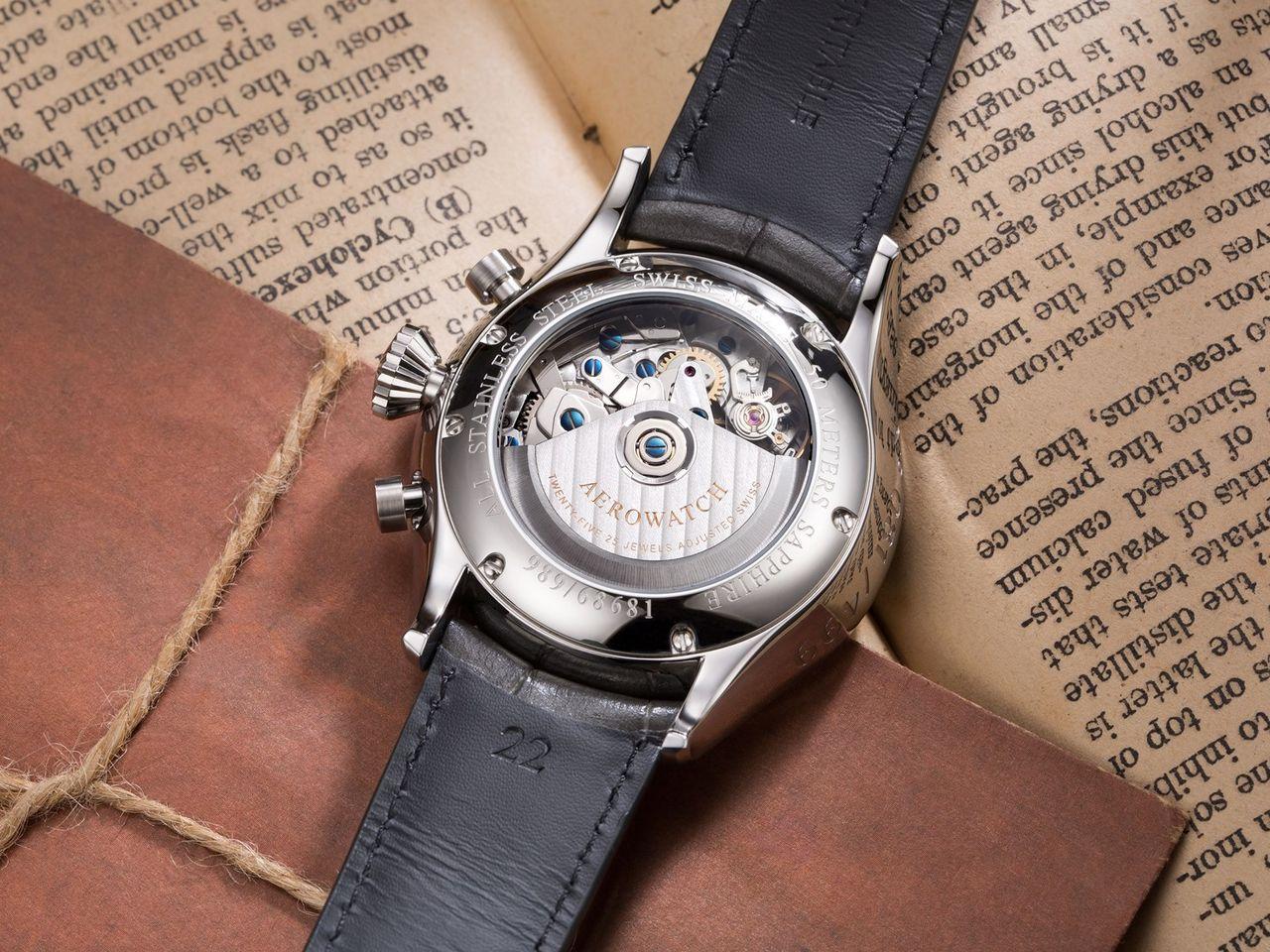 Aerowatch Les Grandes Classiques Chronograph Limited Edition - zafír elől, zafír hátul