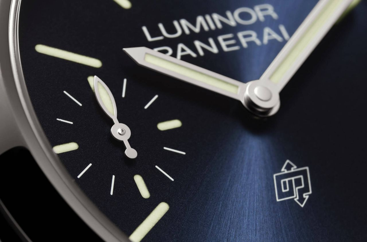 Officine Panerai Luminor Blu Mare 44mm PAM01085 - a szendvics-számlap azért maradt