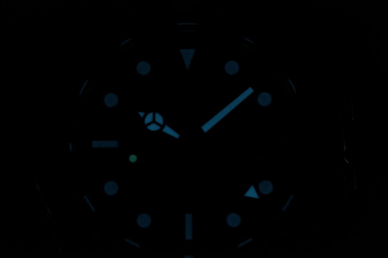 Davosa Ternos Professional TT GMT - sötétben rendesen fénylik / Fotó: Venicz Áron