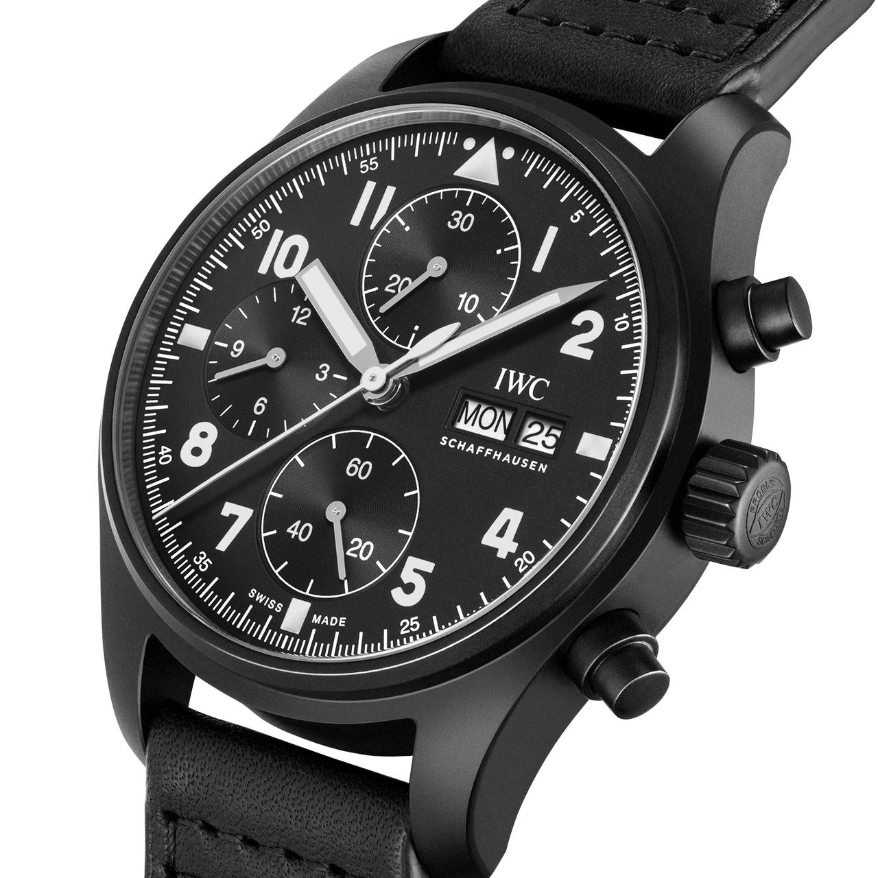 """IWC Pilot's Watch Chronograph Edition """"Tribute to 3705"""" - függőlegesen tagolt számlap, viták forrása"""