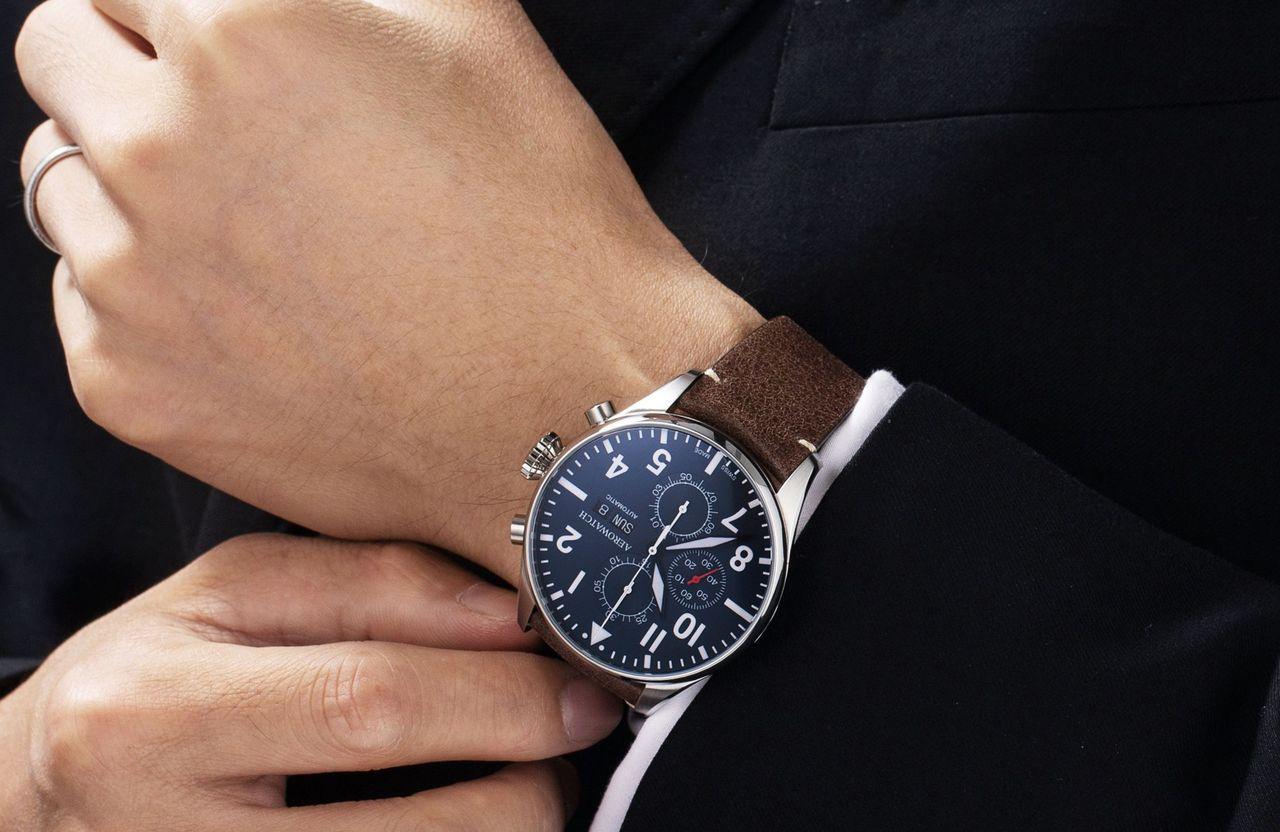 Aerowatch Les Grandes Classiques Chronograph Pilote - 44 mm nem biztos, hogy könnyen befér az ingujj alá